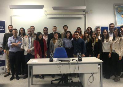 Los alumnos de MASCOMEX que iniciaron la 1ª fase del proceso de selección de la empresa STAC junto a Pedro López, su Técnico de Recursos Humanos, en nuestra aula