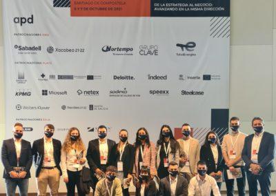 Los alumnos de MASCOMEX junto con el Director de MASCOMEX, Miguel Otero, en el Palacio de Congresos de Santiago donde se celebró el 4º Congreso Internacional de RRHH de APD