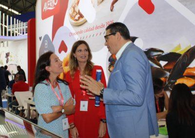 El director de MASCOMEX junto a nuestras alumnas Ana Rodríguez (promoción 2005-2006) e Isabel Sánchez (promoción 2009-10), ambas Export Area Manager del Grupo ALFRIO
