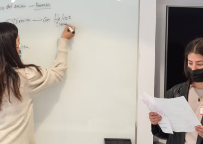 Esther Sánchez y Paula Pemán muestran sus aportaciones al plan de BAHIA SOFTWARE
