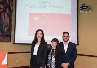 Claudia Quiroga, Olga Vortolomei y Nicanor Otero miembros del equipo que analizó la economía de China