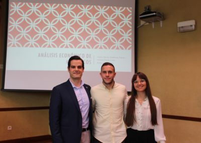 Pablo Villar, Manuel Tarrio y Gloria Gutiérrez miembros del equipo que analizó la economía de Marruecos